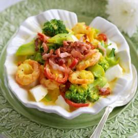 Broccoligryta med räkor och saffran